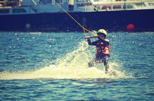 water-skiing-with-life-jacket